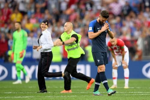 Invasione di campo durante la finale dei Mondiali 3
