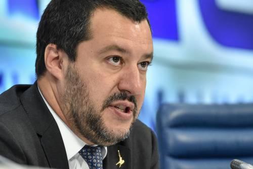"""""""Adesso fermatelo anche con modi bruschi"""". È scontro Salvini-Padellaro"""