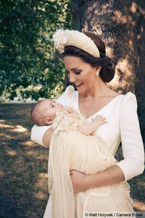 Le foto ufficiali del battesimo del principe Louis 2