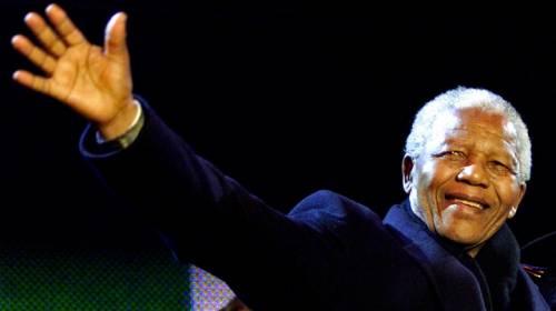 """Mandela spiato dall'Fbi anche dopo il 1990 perché """"minaccia comunista"""""""