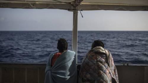 Ghanese lascia l'Italia per tornare in patria e allevare mucche