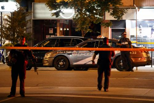 Canada, spari in strada a Toronto 8