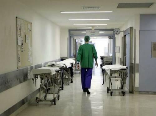 Brindisi, rubava i farmaci dall'ospedale: arrestato ausiliario