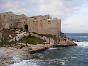 Giallo a Siracusa: trovata donna annegata a mare