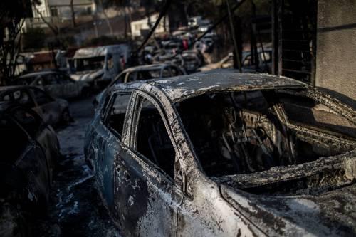 Mati, auto e case incenerite 3