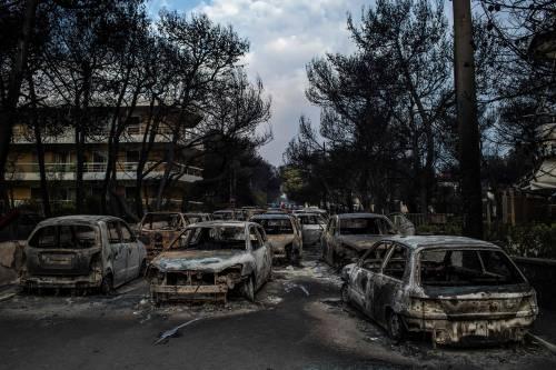Mati, auto e case incenerite 4