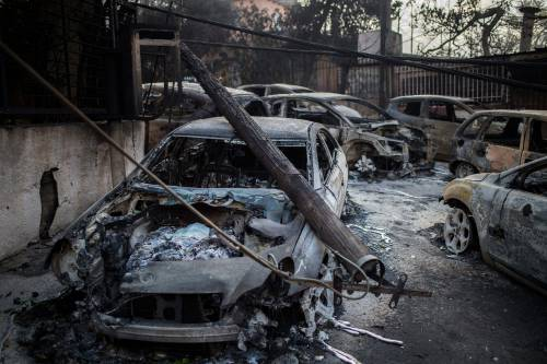 Mati, auto e case incenerite 2