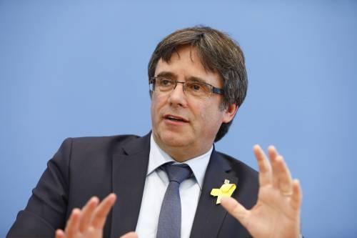 L'Ue toglie l'immunità a Puigdemont e ai ribelli. La rabbia dei catalani