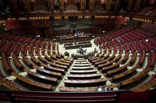 Sondaggio, centrodestra dà 6 punti al governo. Calenda sopra Renzi