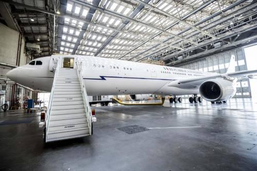 Air Force Renzi, le bufale di Palazzo Chigi per acquistare il velivolo