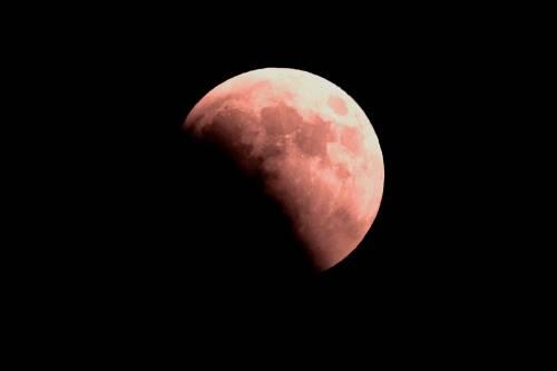 L'eclissi totale di Luna più lunga del secolo 4