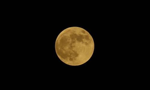 L'eclissi totale di Luna più lunga del secolo 8