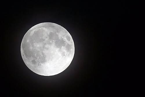 L'eclissi totale di Luna più lunga del secolo 9