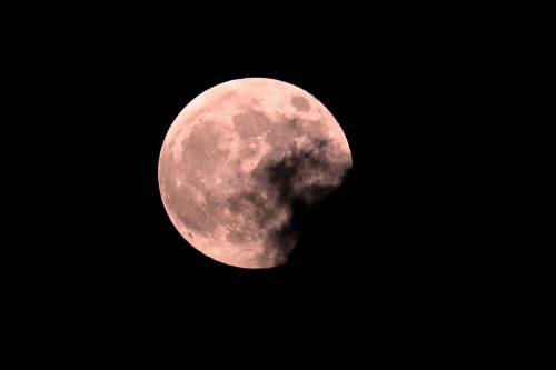 L'eclissi totale di Luna più lunga del secolo 13
