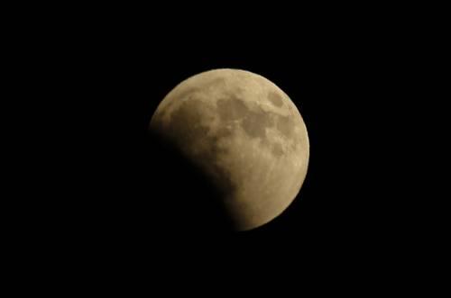 L'eclissi totale di Luna più lunga del secolo 15