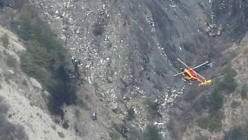 Svizzera, precipita aereo da turismo sulle Alpi: morto il pilota e tre passeggeri