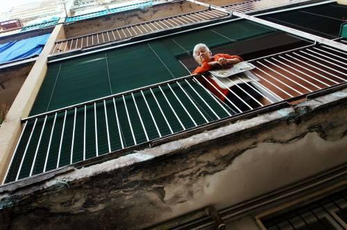 Napoli, viene sfrattata e muore d'infarto