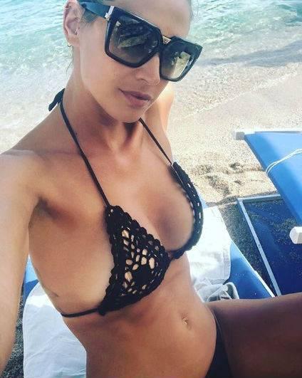 Bikini Vip: Elisabetta Canalis, Chiara Ferragni e Melissa Satta le più sexy 8