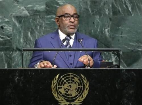 Comore, il presidente accentra il potere e spinge l'islamizzazione