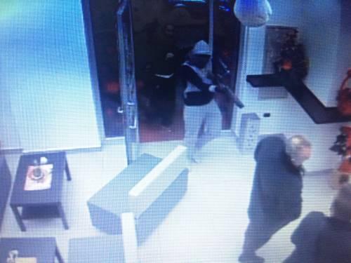 """""""Troppe rapine, costretti a chiudere il bar di notte"""": i banditi in azione 2"""
