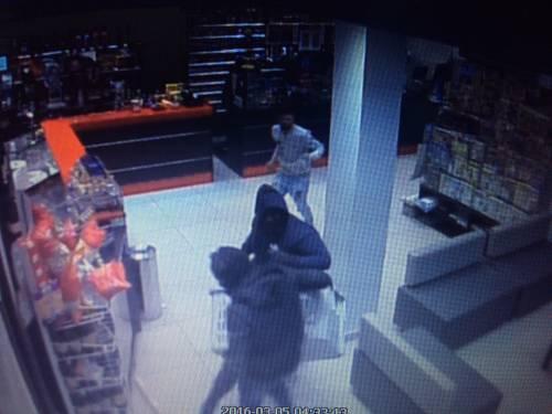 """""""Troppe rapine, costretti a chiudere il bar di notte"""": i banditi in azione 3"""