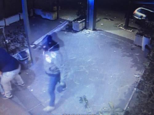 """""""Troppe rapine, costretti a chiudere il bar di notte"""": i banditi in azione 6"""