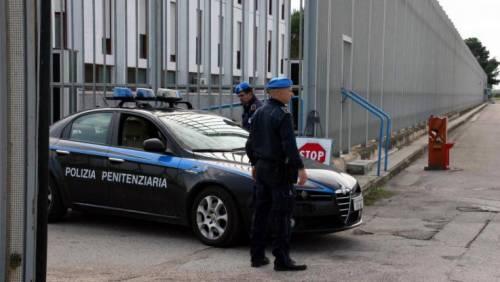Le cene a base di astice: così i militari incastrano agenti del carcere a Latina