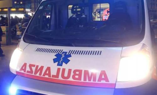 Rifiuta sigaretta e un euro a romeno: anziano aggredito a Bari