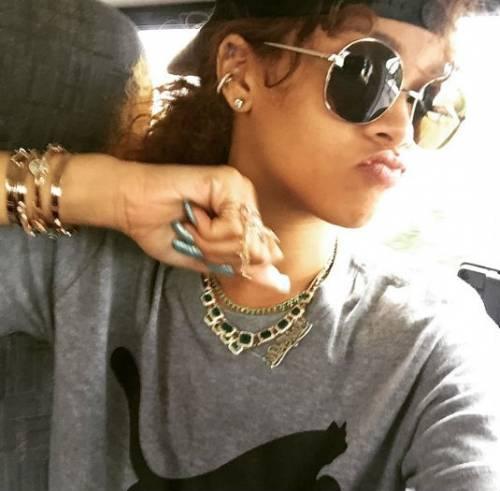 Rihanna, le foto più sexy e sensuali 6