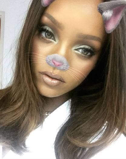 Rihanna, le foto più sexy e sensuali 5