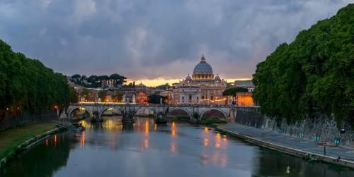 """Posti i sigilli a """"Borgo Ripa"""", il ritrovo della Roma bene"""