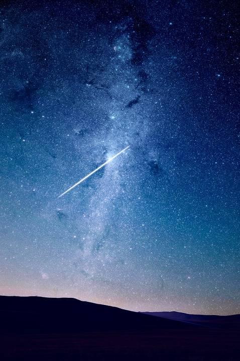 Tutti con il naso all'insù per vedere le stelle cadenti di agosto