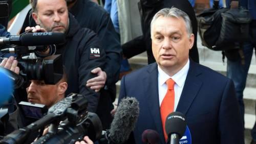 """Orban adesso sferza l'Europa: """"Rifiutare il multiculturalismo"""""""
