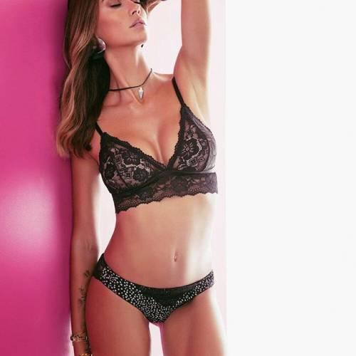 Melissa Satta hot in bikini: la compagna di Boateng fa impazzire i fan su Instagram 3