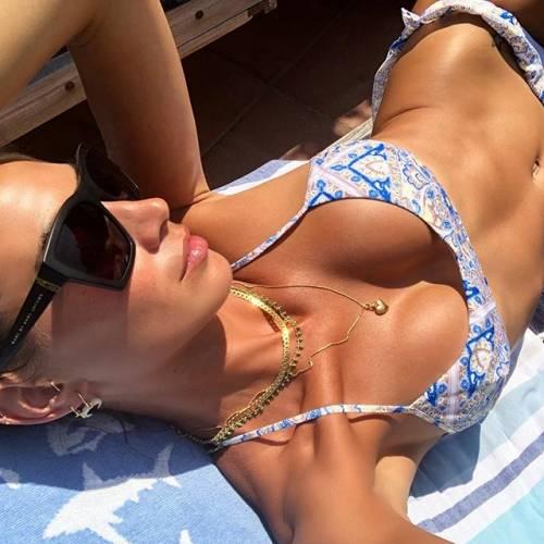 Melissa Satta hot in bikini: la compagna di Boateng fa impazzire i fan su Instagram 9