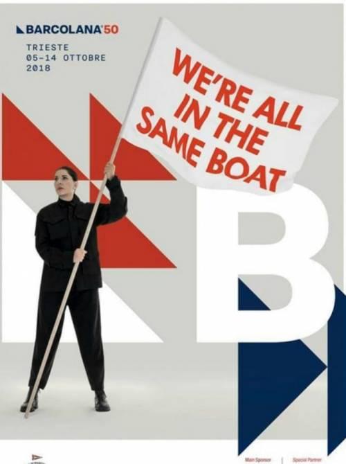 Manifesto pro migranti alla regata. E la Lega ne impone la rimozione