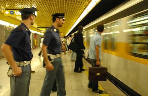 Milano, in due giorni blocca la metro nove volte. Fermato a Loreto