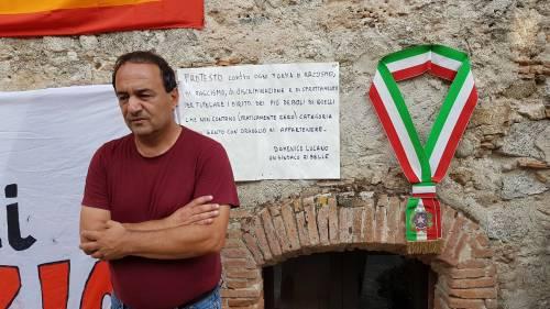 """Saviano col sindaco di Riace: """"Un esempio per l'Italia"""""""