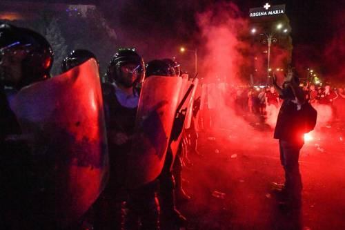 Il democratico governo romeno massacra i manifestanti: 440 feriti