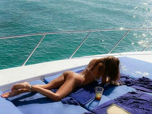 Bikini Vip, le immagini più hot 9