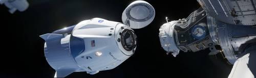 Crew Dragon aggancia la Stazione spaziale: Iniziata una nuova era