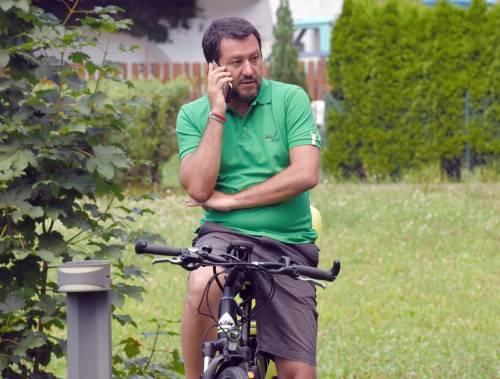 """Salvini """"incastra"""" Macron: """"In Libia solo per interessi economici"""""""