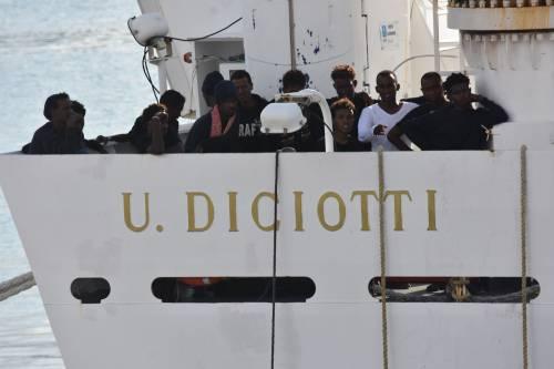 A bordo della Diciotti quattro scafisti