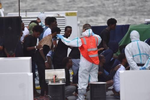 I migranti della Diciotti fanno causa: