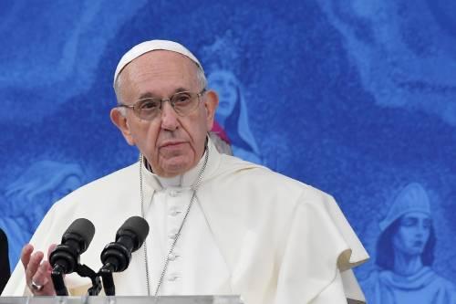 "Papa Francesco replica a Viganò: ""Silenzio di fronte a chi crea scandalo"""