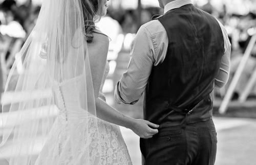 Cancella il matrimonio perché gli invitati non pagano