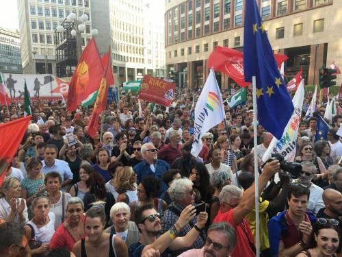 """Così i 'rossi' insultano Salvini: """"Imbecille, troglodita, assassino"""""""