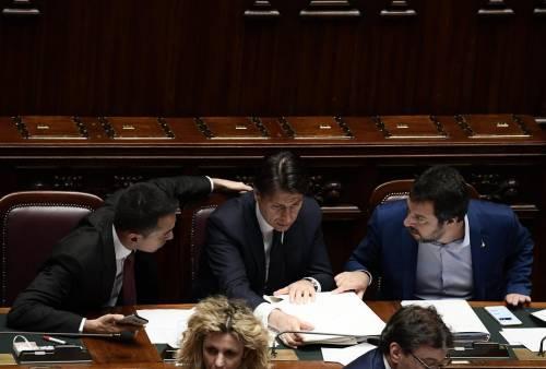 """Salvini e Di Maio sfidano l'Ue: """"Se ne faranno una ragione"""""""