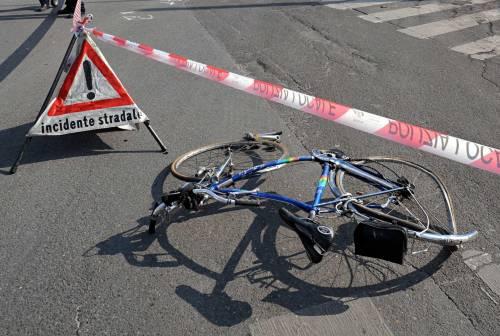 Anziano in bicicletta ucciso da un camion sulla strada Cassanese
