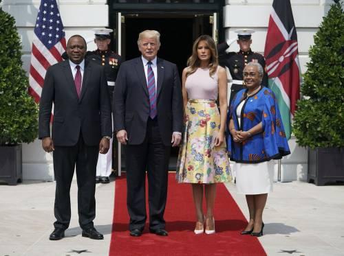 Melania Trump nell'orto con i tacchi: foto 10